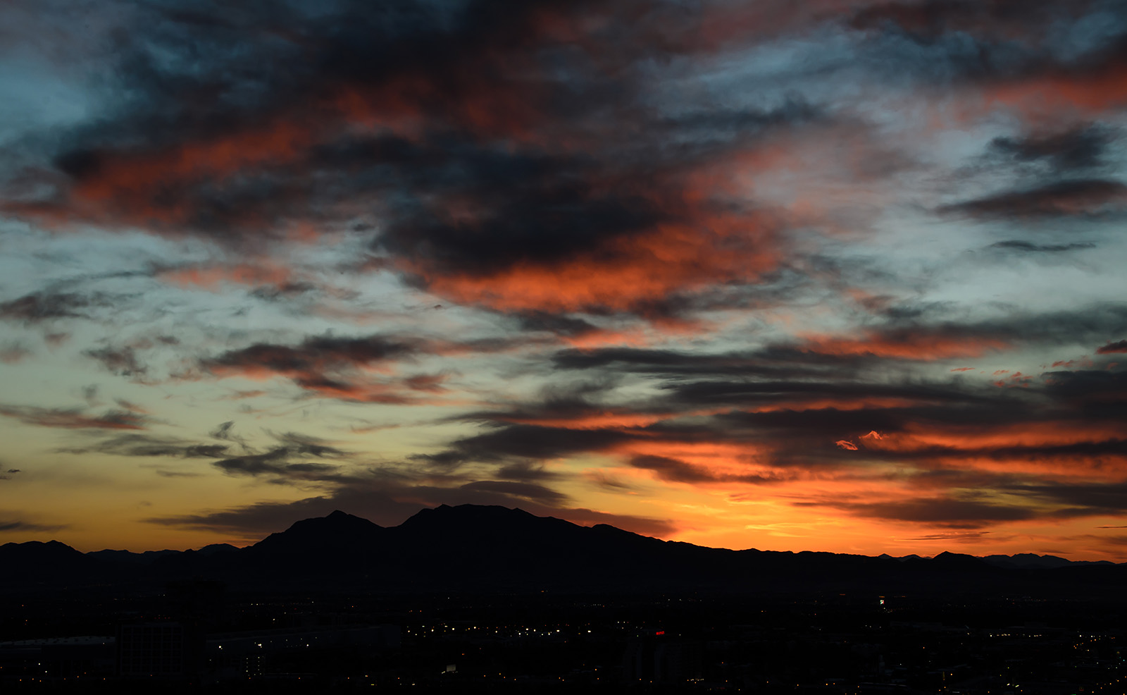 Learn how to capture colorful sunsets in the free Light and Night Workshop.
